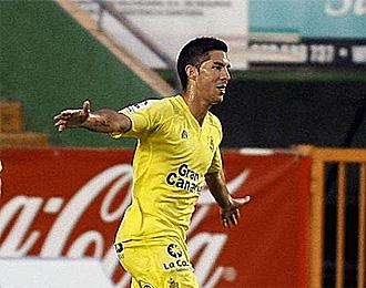 �lvaro celebra un gol anotado por �l.
