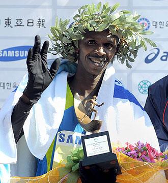 Sylvester Teimet celebrando su triunfo en Se�l