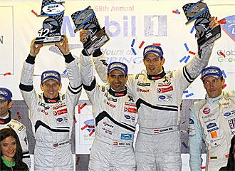 Wurz, Gené y Davidson celebran la victoria en el podio