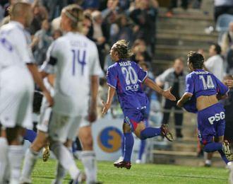 Alexis celebra el gol que dio la victoria al Getafe ante el Madrid en la Liga 07-07.
