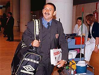 Fernando Castro Santos durante su etapa como técnico del Sevilla.