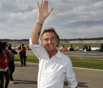 Montezemolo saluda en el circuito de Valencia.