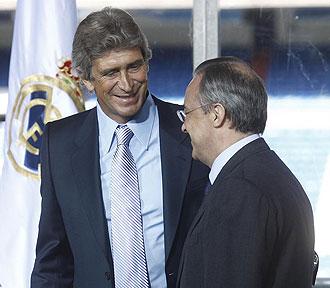 Manuel Pellegrini y Florentino Pérez el día de la presentación del técnico chileno