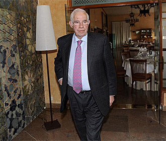 Luis Aragonés, a la salida de la reunión mantenida ayer.
