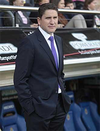 Garrido sigue el partido entre el Villarreal y el Sevilla.