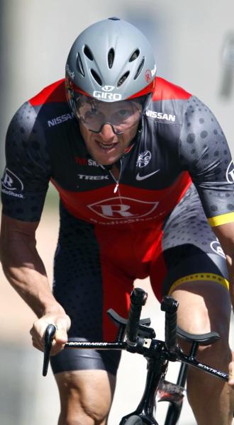 Armstrong, durante la crono del Criterium Internacional