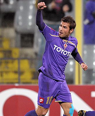 Adrian Mutu, durante un partido de la Fiorentina, en una imagen de archivo