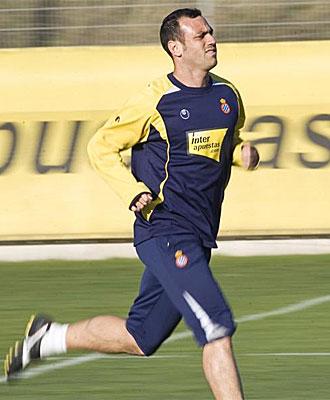 Mois�s Hurtado, durante un entrenamiento con el Espanyol