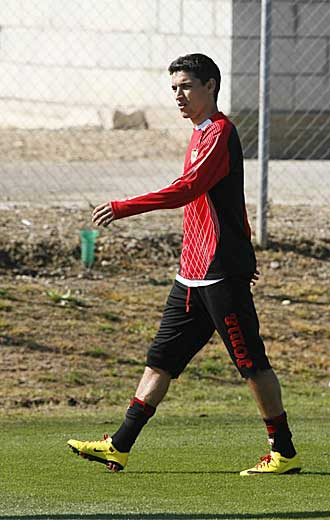 Jes�s Navas durante el entrenamiento de este jueves santo en la ciudad deportiva del Sevilla.