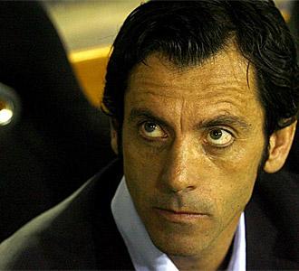 Quique, en el banquillo de Mestalla