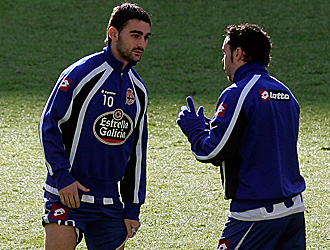 Sergio conversa con Adri�n en una sesi�n de entrenamiento
