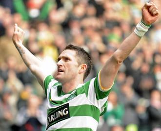 Robbie Keane anot� el tanto de la victoria del Celtic de penalti.