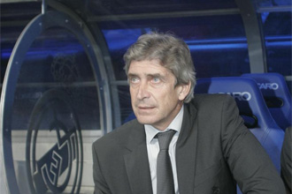 Pellegrini en el banquillo del Real Madrid.