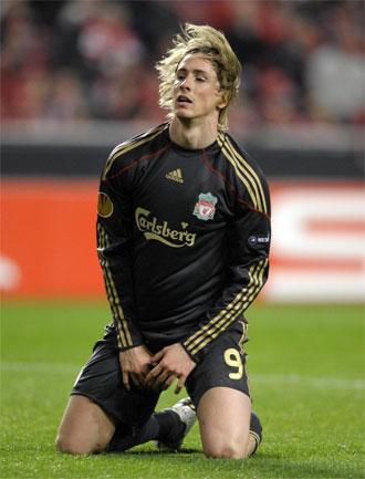Torres se lamenta de una ocasi�n perdida ante el Benfica
