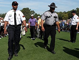 Fuertes medidas de seguridad en torno a Tiger Woods en Augusta