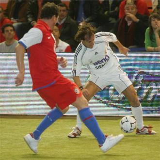 Alfonso, durante un partido del Real Madrid de veteranos