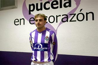H�ctor Font durante su presentaci�n como jugador del Valladolid.