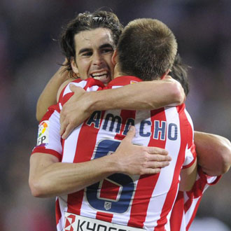 Tiago y Camacho celebran el triunfo ante el Deportivo
