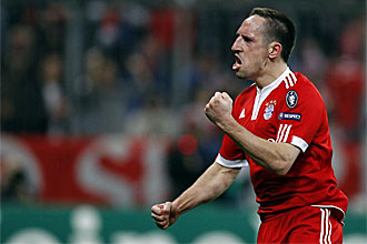 Franck Rib�ry celebra el gol que marc� en el Bayern de M�nich-Manchester United de la Liga de Campeones