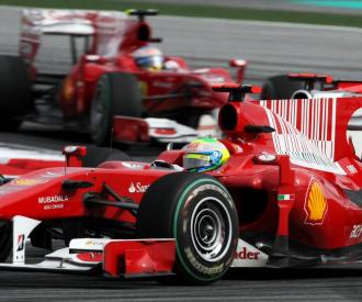 Los Ferrari de Felipe Massa y Fernando Alonso