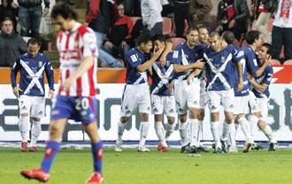 El Tenerife consigui� en Gij�n la primera victoria a domicilio de la temporada.