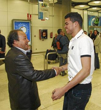 Pepe recibe en Barajas al doctor Noronha