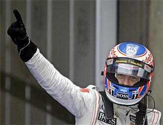 Button, en el podio de Shanghai