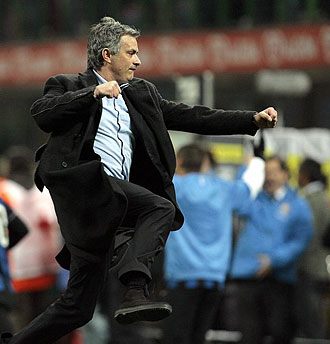 Mourinho celebra el segundo gol del Inter a la Juve en la �ltima jornada de la Serie A.