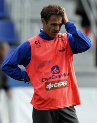 Mikel Alonso durante un entrenamiento del Tenerife.