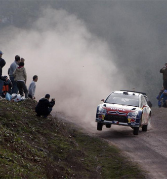 Loeb afronta una curva de manera espectacular durante el Rally de Turqu�a