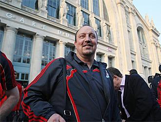 Ben�tez, a la llegada del Liverpool a Par�s.