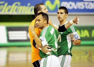 Luis Amado junto a Marquinho y Neto