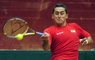 Nicol�s Almagro, en un partido de Copa Davis ante Suiza.