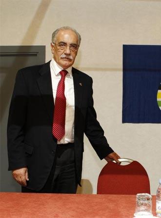 Juan Carlos Casta�o antes de una rueda de prensa
