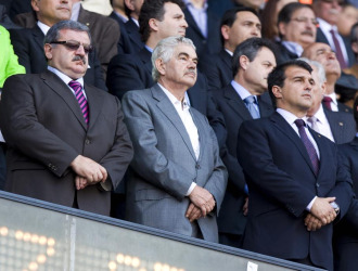 Maragall y Laporta, durante el minuto de silencio a Samaranch.
