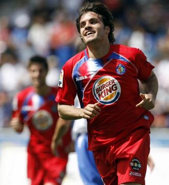 Pedro Le�n celebra un gol con el Getafe