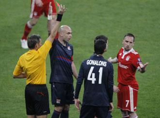 La expulsi�n de Rib�ry en Lyon le puede privar de jugar la final de la Champions