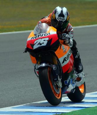 Dani Pedrosa, a lomos de su montura Honda en Jerez