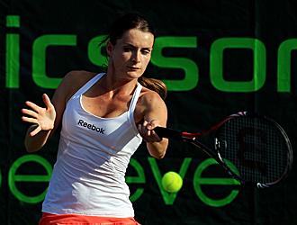 Benesova ejecuta un golpe durante el torneo de Cayo Vizca�no