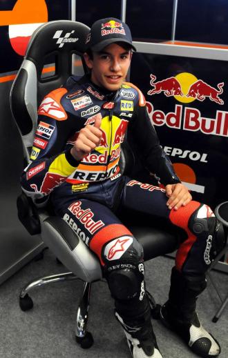 Marc Marquez, en box de su equipo en Jerez