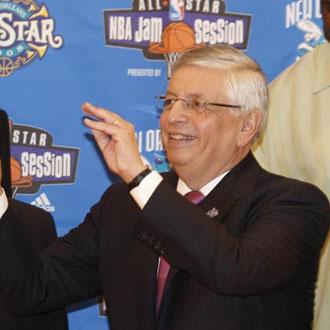 Stern, durante la presentación del All Star del año 2008