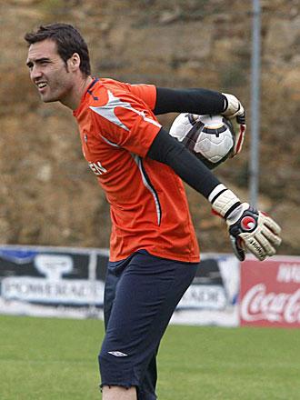 Falc�n, durante un entrenamiento del Celta de esta semana, podr�a recuperar la titularidad ante el Girona este s�bado