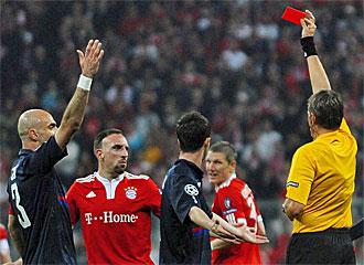 Rib�ry ve la roja tras su agresi�n a Lisandro.
