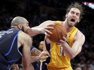 Pau, junto a Duncan, Bogut, Joe Johnson y Roy, ha sido designado en el tercer quintento ideal del a�o en la NBA.