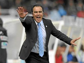 El entrenador de la Real en un partido