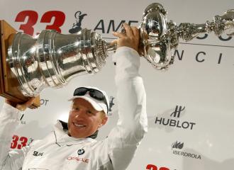 El BMW-Oracle fue el vencedor en Valencia