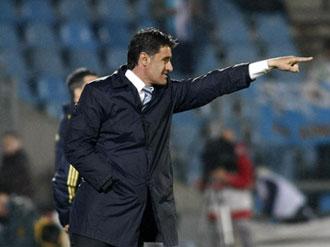 M�chel dando indicaciones en el partido contra el M�laga