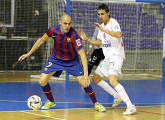 Aicardo defiende al blaugrana Javi Rodr�guez