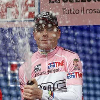 El australiano Evans, nuevo 'maglia rosa'