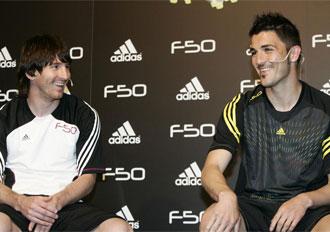 Villa y Messi durante el acto promocional